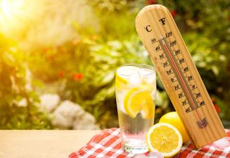Kako ohladiti stanovanje v vročih poletnih dneh
