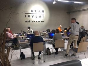 Staninvest Galerija za en dan postala računalniška učilnica